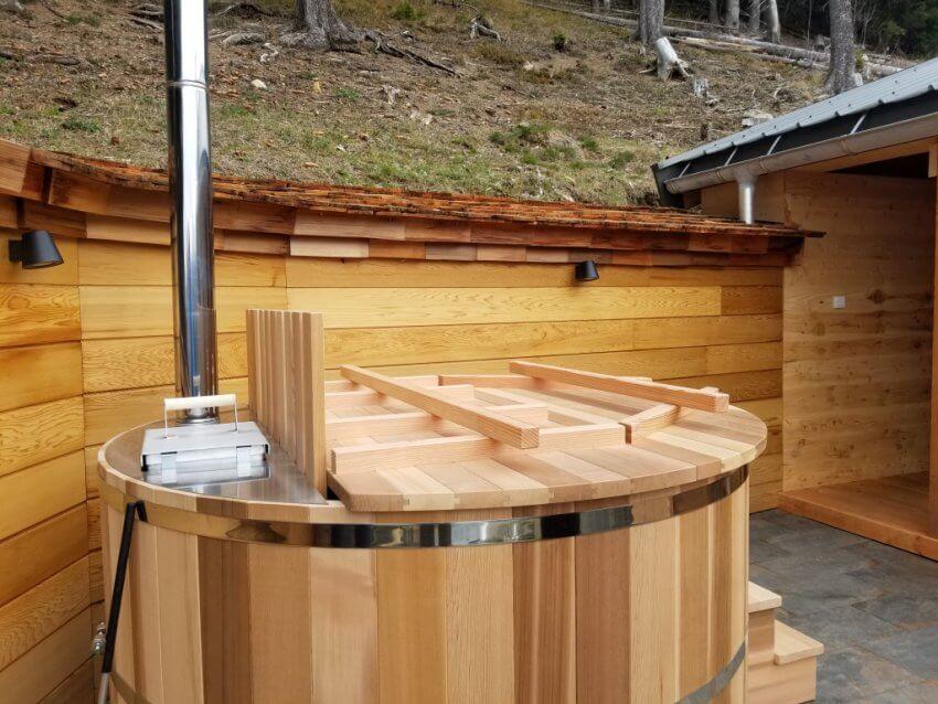 Le bain nordique version Klassik et son couvercle
